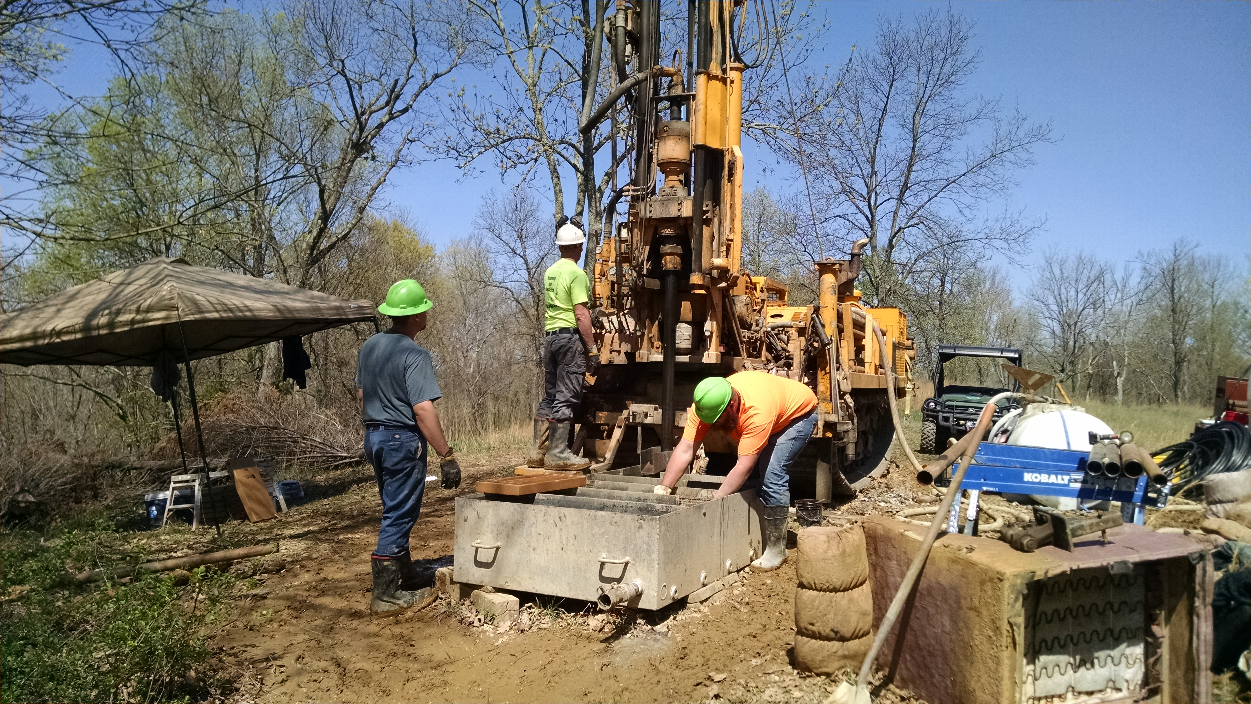 CME 850 Rig Performing Mud Rotary Drilling